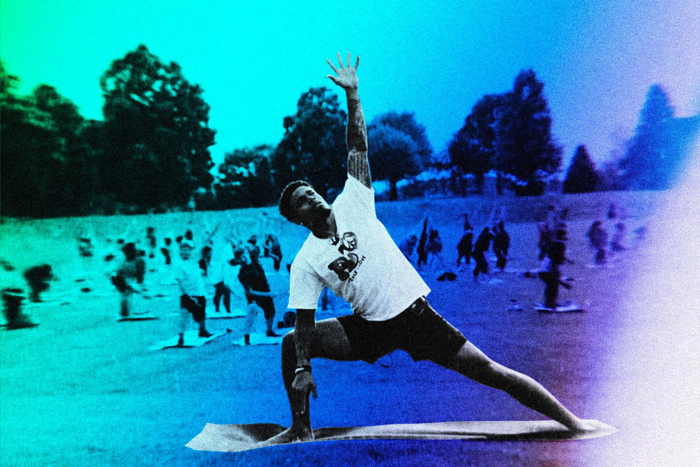Jaire Alexander practicando yoga