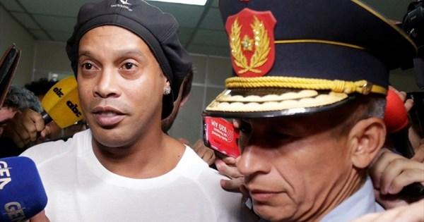 ¡Ronaldinho permanecerá cautivo de su celda de cinco estrellas! El | deporte