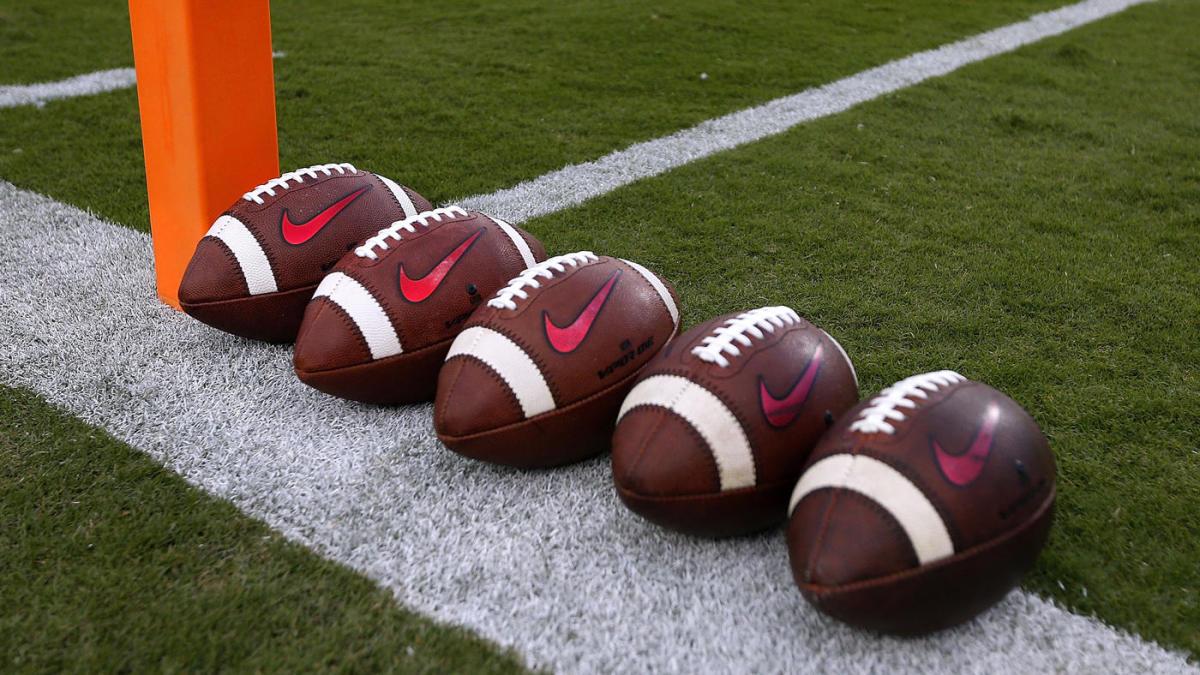Actualizaciones del coronavirus del fútbol universitario