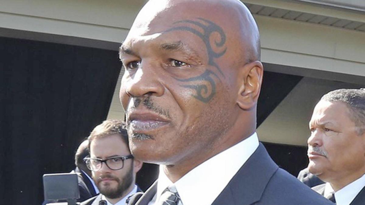 La compañía de Tyson quiere los derechos del Camp Nou