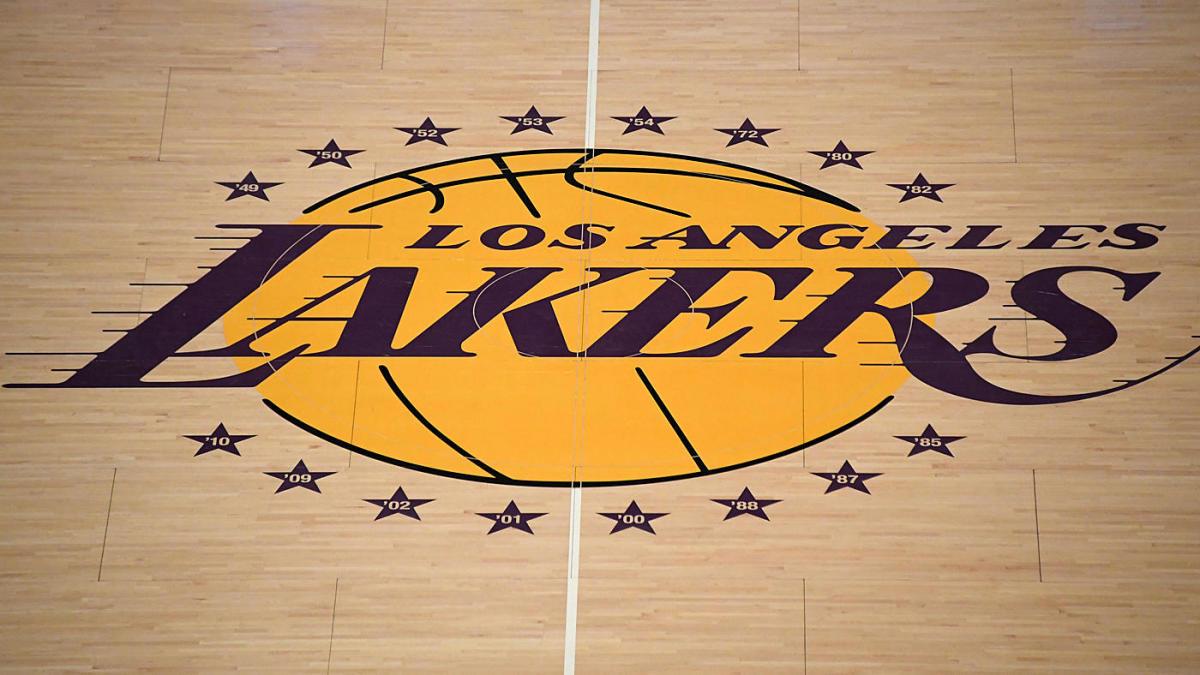 Los Lakers reciben, devuelven un préstamo de $ 4.6 millones