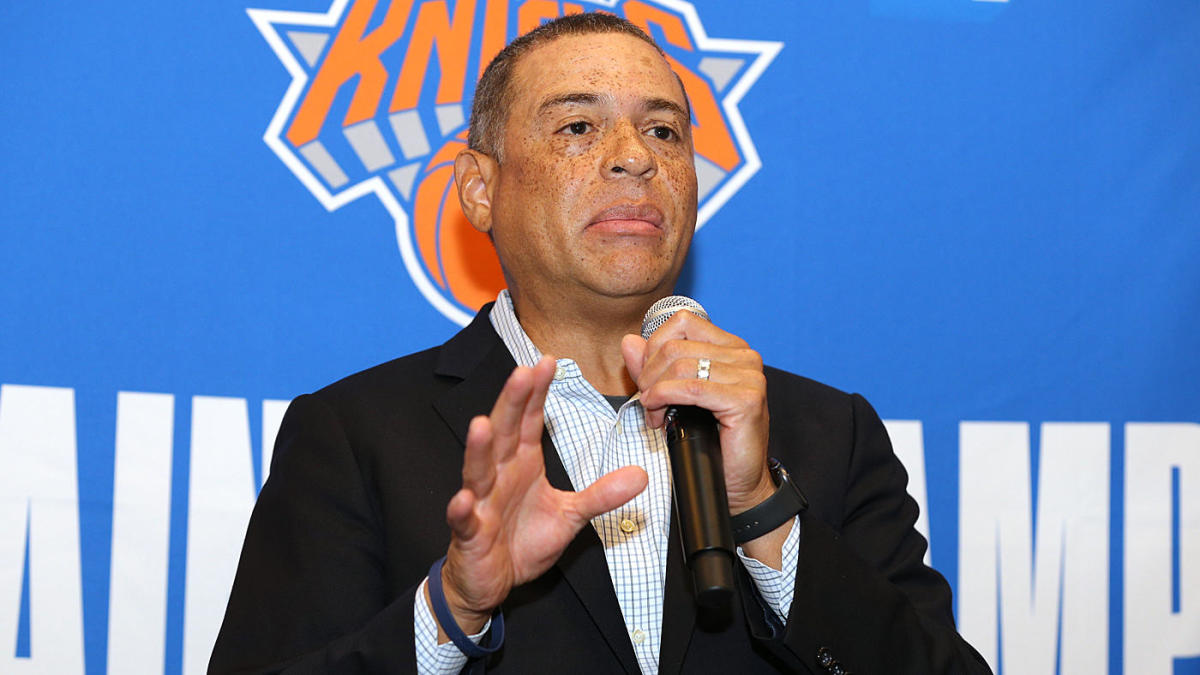 Scott Perry permanecerá como Knicks GM