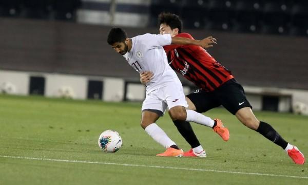Un club de segunda clase sigue derribando adultos en Qatar