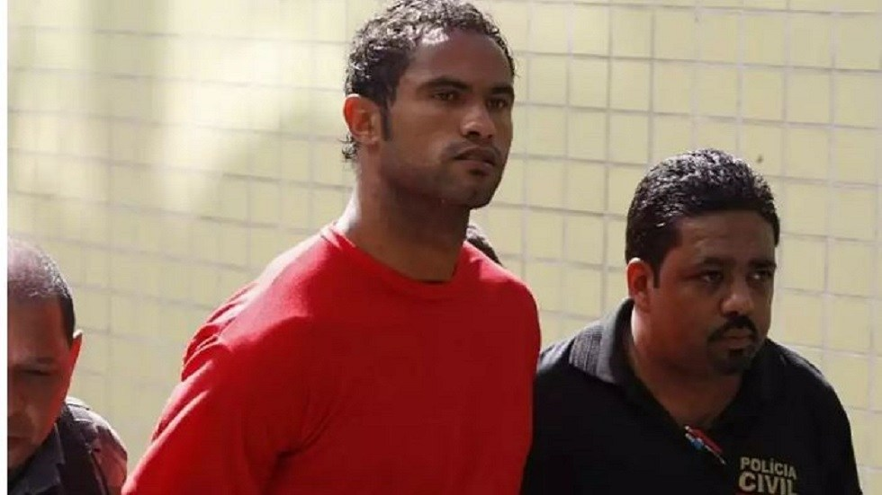 A goalkeeper convicted of killing his partner and feeding her body to dogs signs a new team